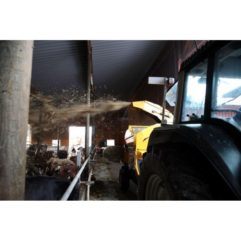Измельчитель–выдуватель, раздатчик рулонов сена, соломы серии «Cross Cut» (ELHO, Финляндия)